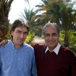 Helmy Abouleish, actuel directeur de Sekem, ici avec son père Ibrahim, le fondateur de l'initiative.